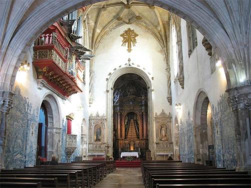 Monastyr-Kresta-Gospodnya-Portugaliya-Koimbra-Mosteiro-de-Santa-Cruz